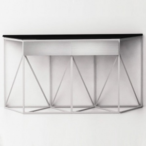 "Console table ""Mediana"""